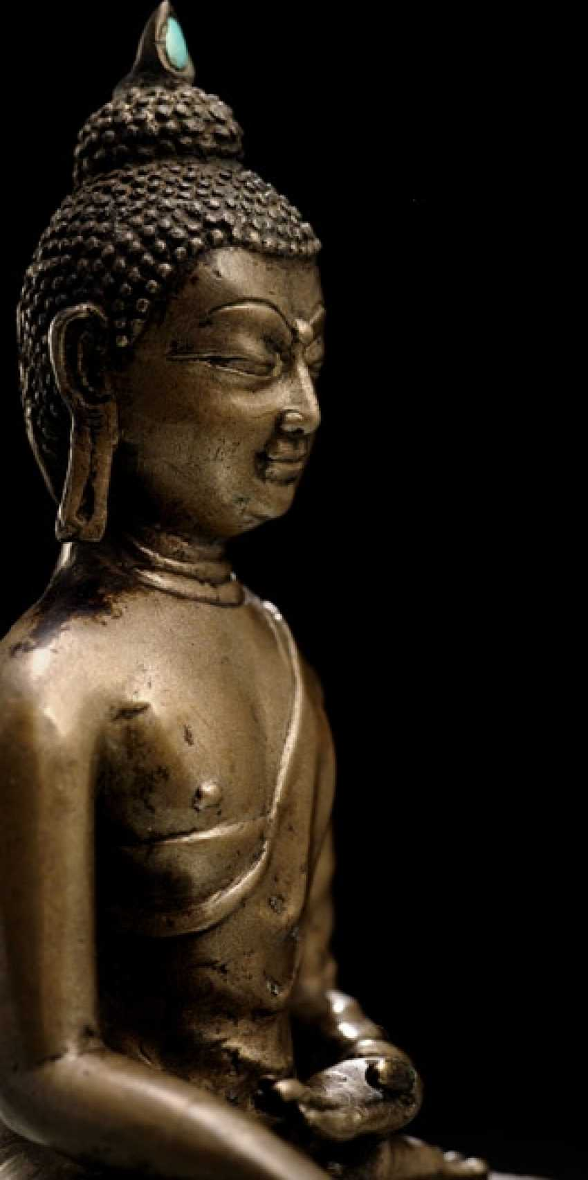 BRONZE OF BUDDHA SHAKYAMUNI ON A LOTUS - photo 2