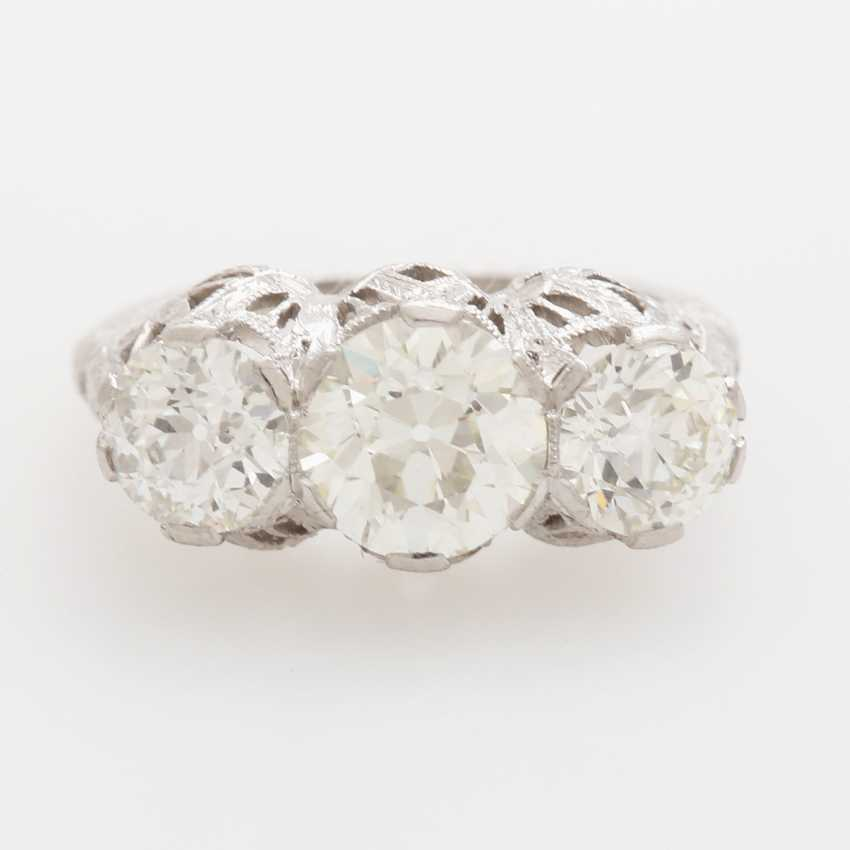 Ladies ring studded W / 3 old European cut-Diam.