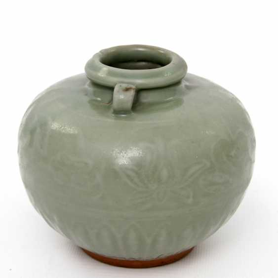Jar with celadon glaze. Yuan dynasty (1279-1368) - photo 2