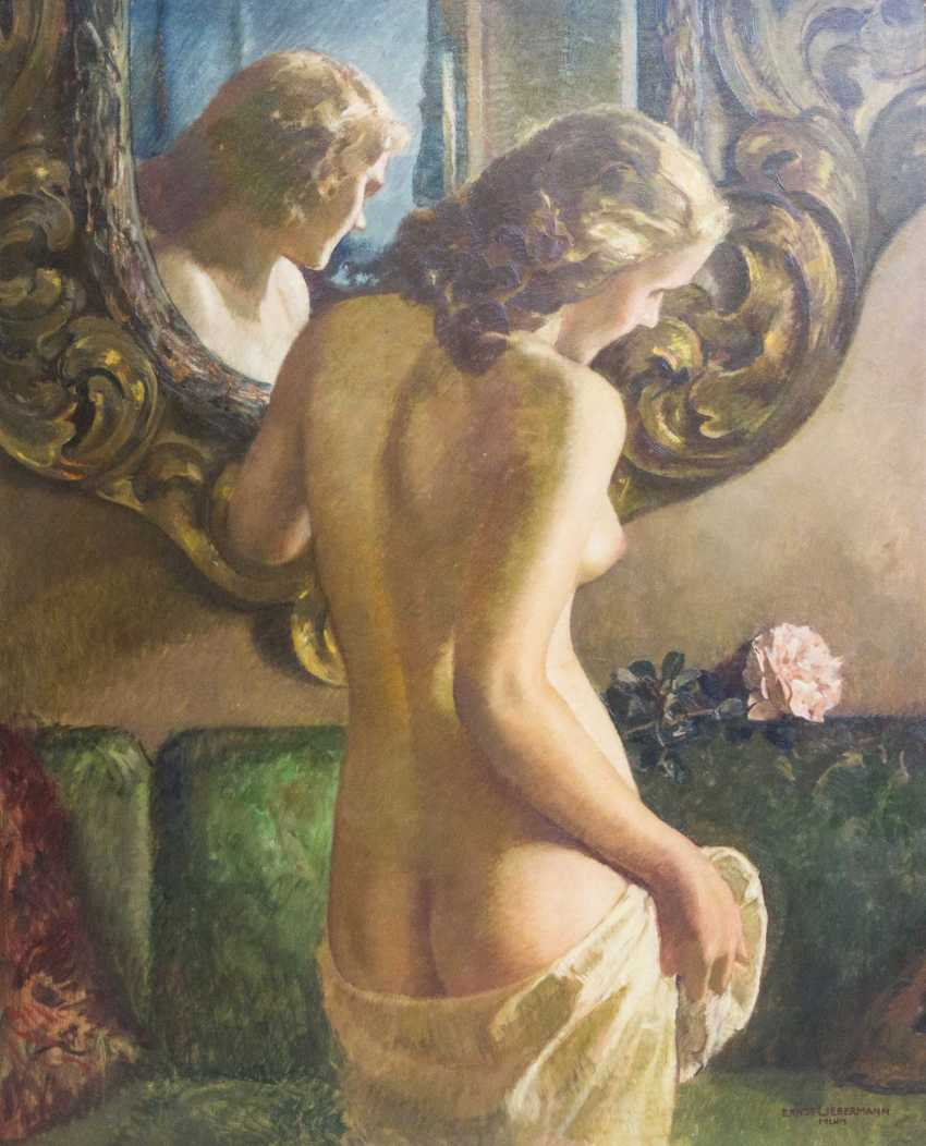 "LIEBERMANN, ERNST (Langemüß in Meiningen 1869-1960 Beuerberg, upper Bavaria), ""Female Nude in front of a mirror standing"" - photo 1"