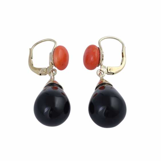 Earrings with a coral Bouton and onyx grapefruit, - photo 2