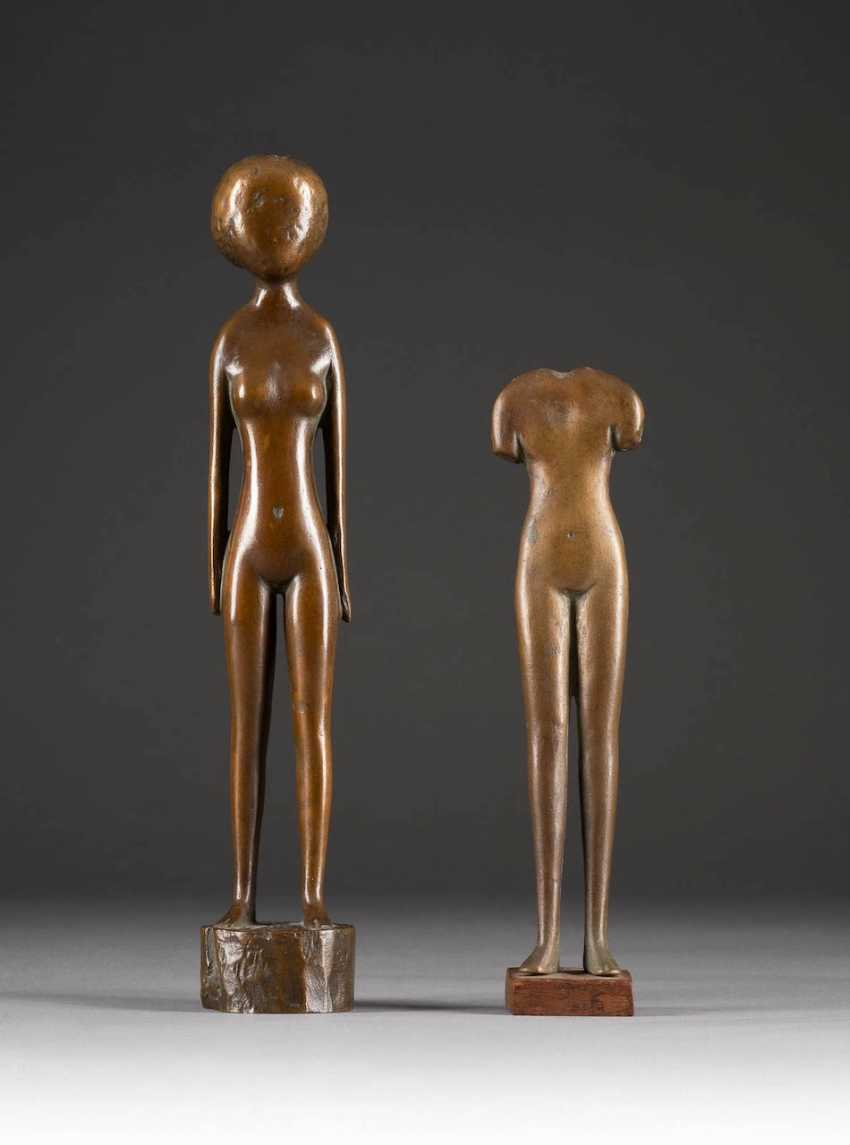 MODERN image sculptor Active in the 2. Half of the 20th century. Century. PAIR OF BRONZES (FACELESS AND HEADLESS) - photo 1