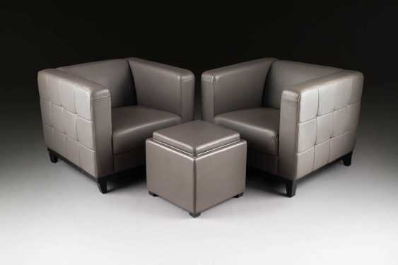 FOUR-PIECE SEATING GROUP. Execution: Probably German, end of the 20th century. Century - photo 2
