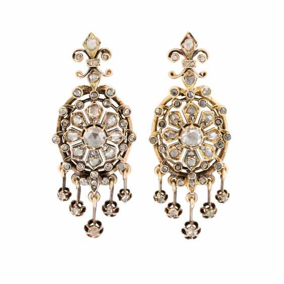 FEW HISTORICAL EARRINGS - photo 1