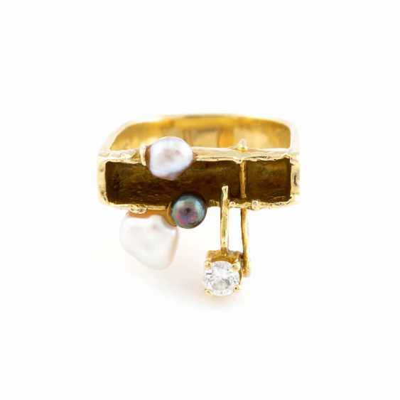 RING WITH PEARL AND DIAMONDS - photo 1