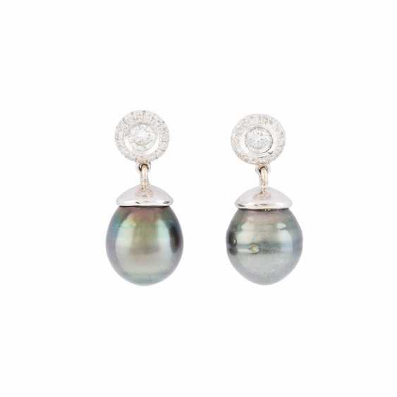 PAIR OF PEARL-DROP EARRINGS WITH DIAMONDS - photo 1