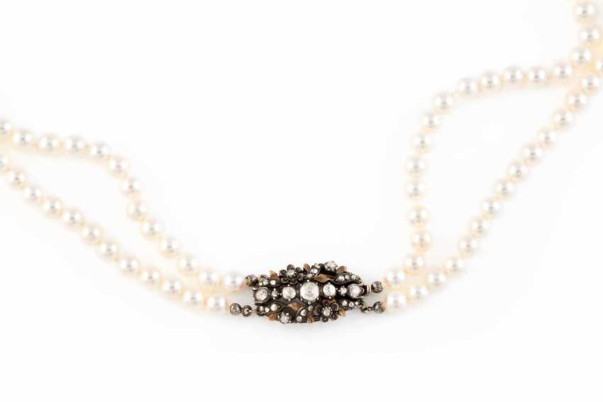 PEARL NECKLACE WITH DIAMOND CLASP - photo 2