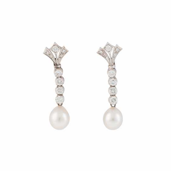 PAIR OF EARRINGS WITH PEARL AND DIAMONDS - photo 1