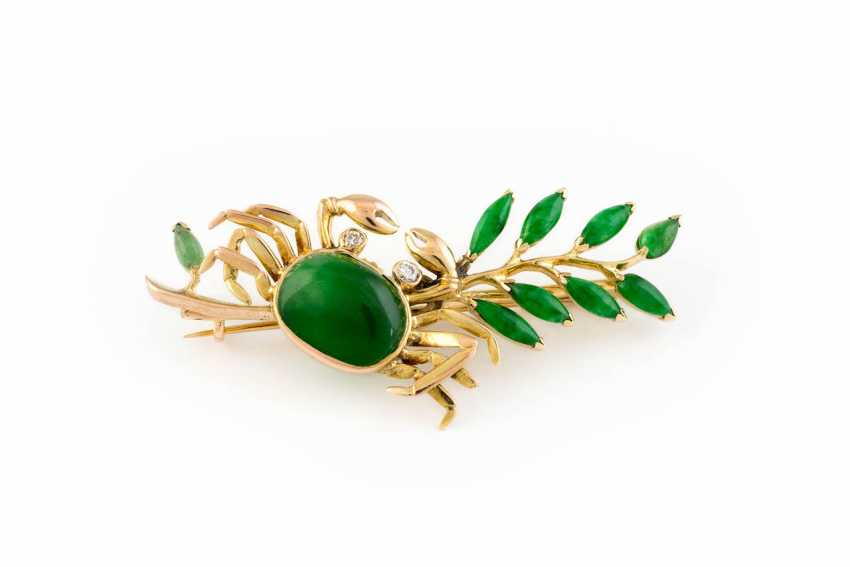 FINE JEWELRY BROOCH WITH JADE - photo 1