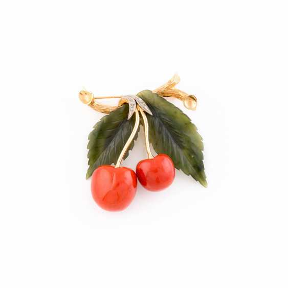 BROOCH WITH CORAL - photo 1