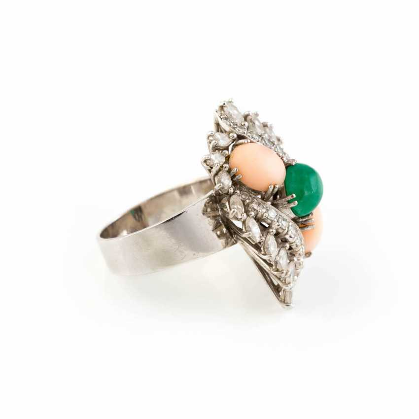 RING WITH PRECIOUS STONES AND CORAL - photo 2