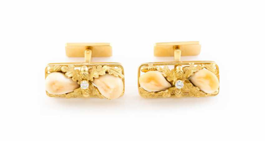 PAIR OF CUFFLINKS WITH GRANDELN AND BRILLIANT - photo 1
