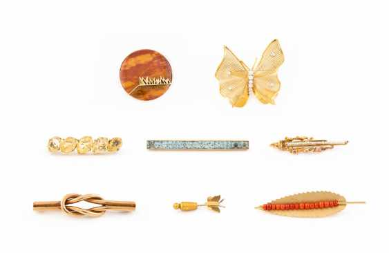VINTAGE BROOCHES - photo 1