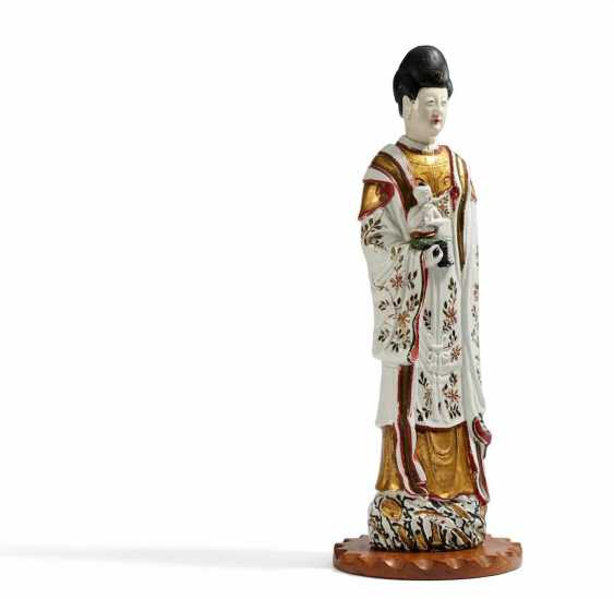 Pair of rare, large Guanyin with boys - photo 2