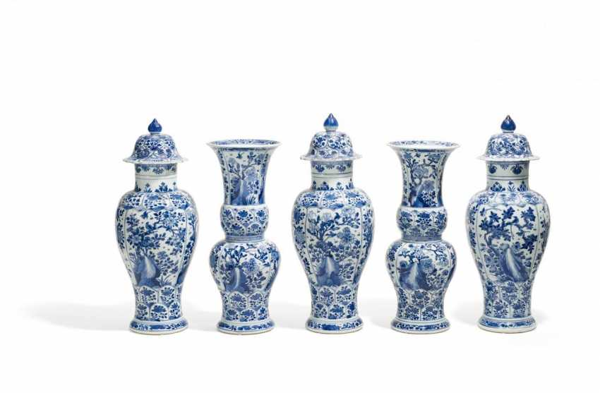 Five-piece blue-and-white vases-set - photo 1