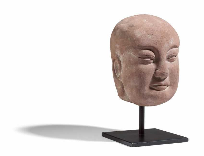 Head of a monk or Buddha - photo 1
