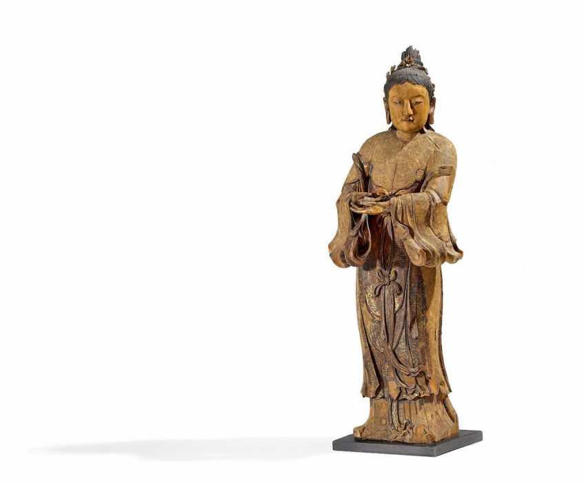 Impressive figure of a female Bodhisattva - photo 1