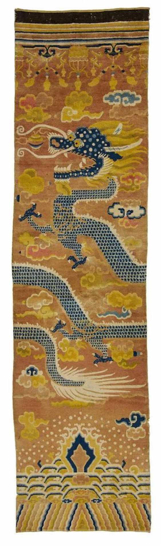 Rare Pair of pillar carpets with dragons - photo 3