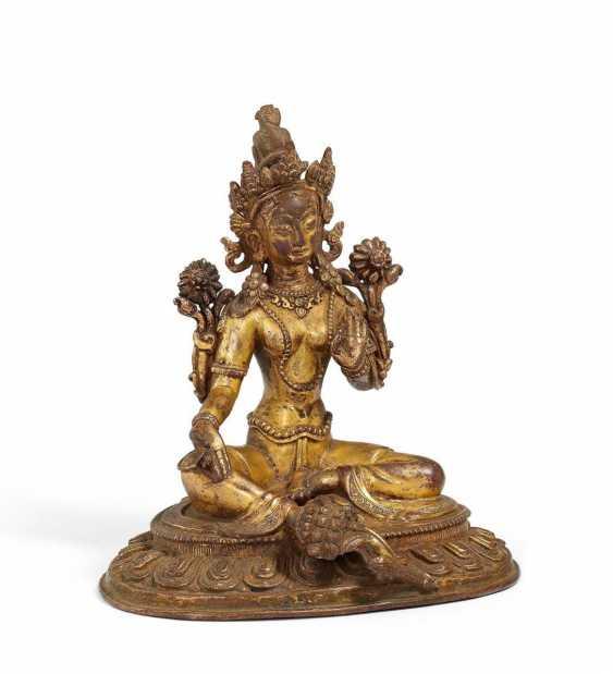 Elegant figure of the Green Tara - photo 1