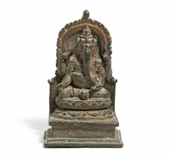 Exquisite small Bronze sculpture of Ganesha - photo 1