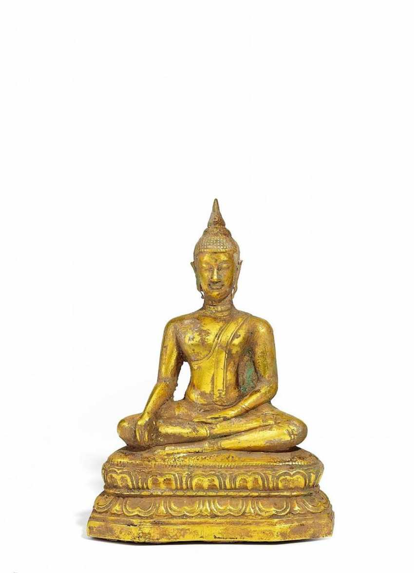 Seated Buddha on Lotus pedestal - photo 1