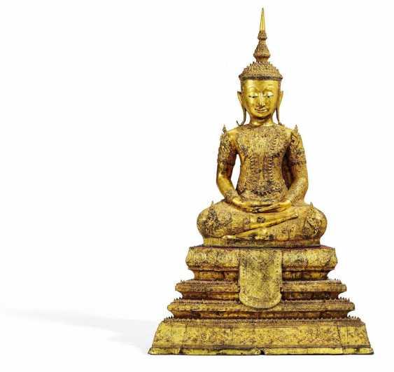 Large sitting Buddha - photo 2