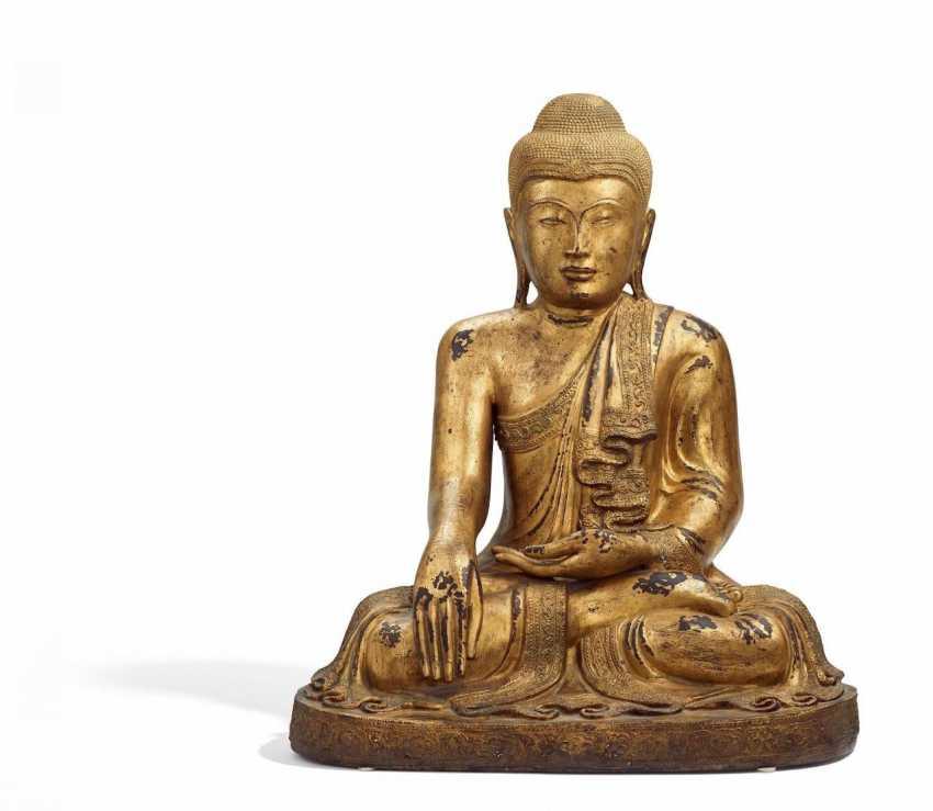 Large sitting Buddha - photo 1
