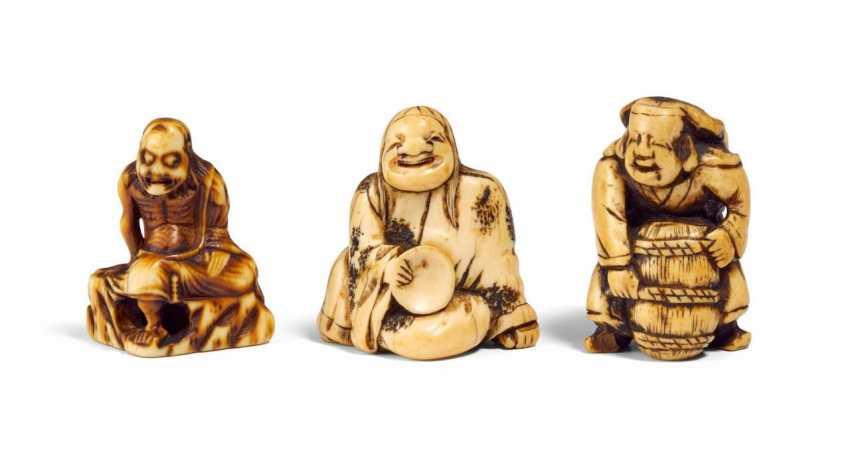 Three Netsuke of Immortal and distributors - photo 1