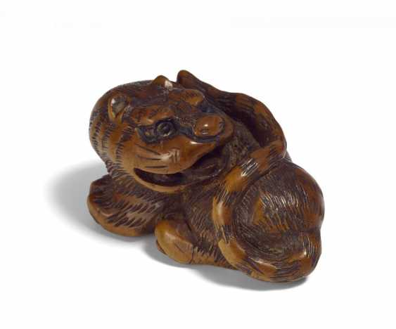 Netsuke: Hockender Tiger - photo 1