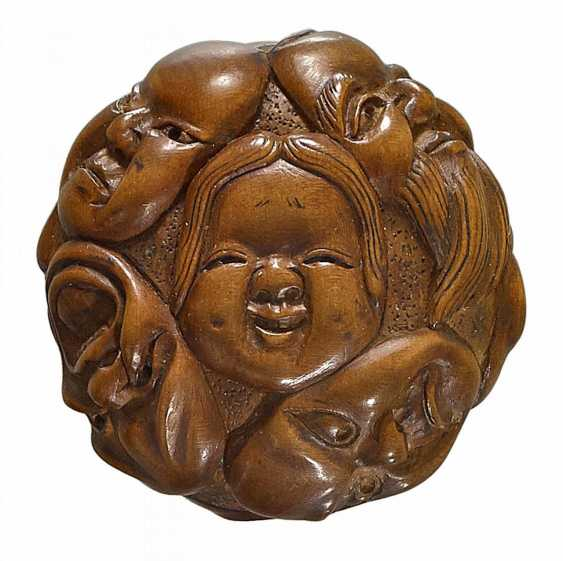 Netsuke: group of nine masks - photo 1