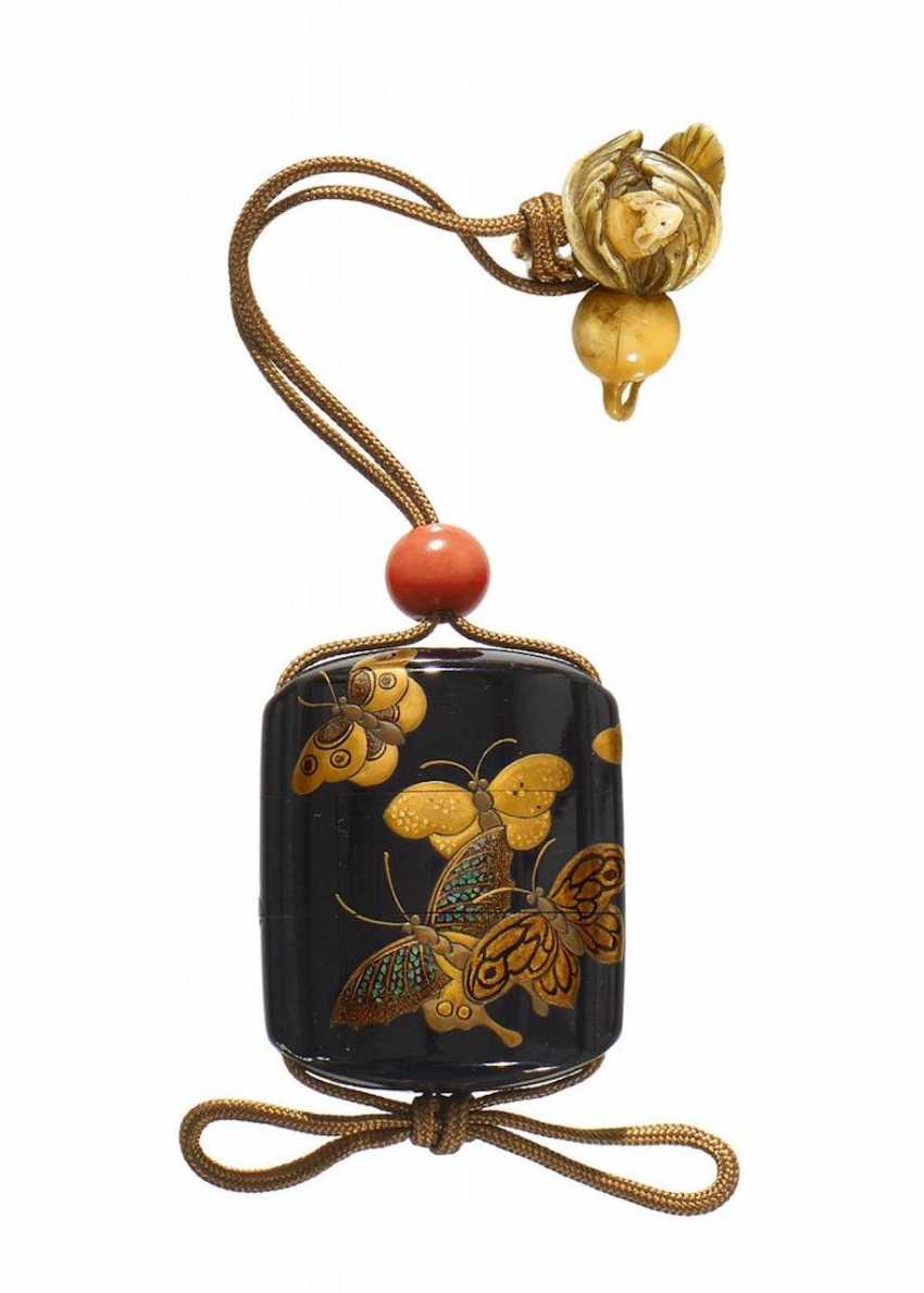 Miniature inrô with butterflies - photo 1