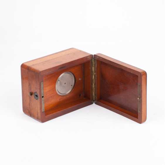 Zenith chronometer in a wooden box - photo 3