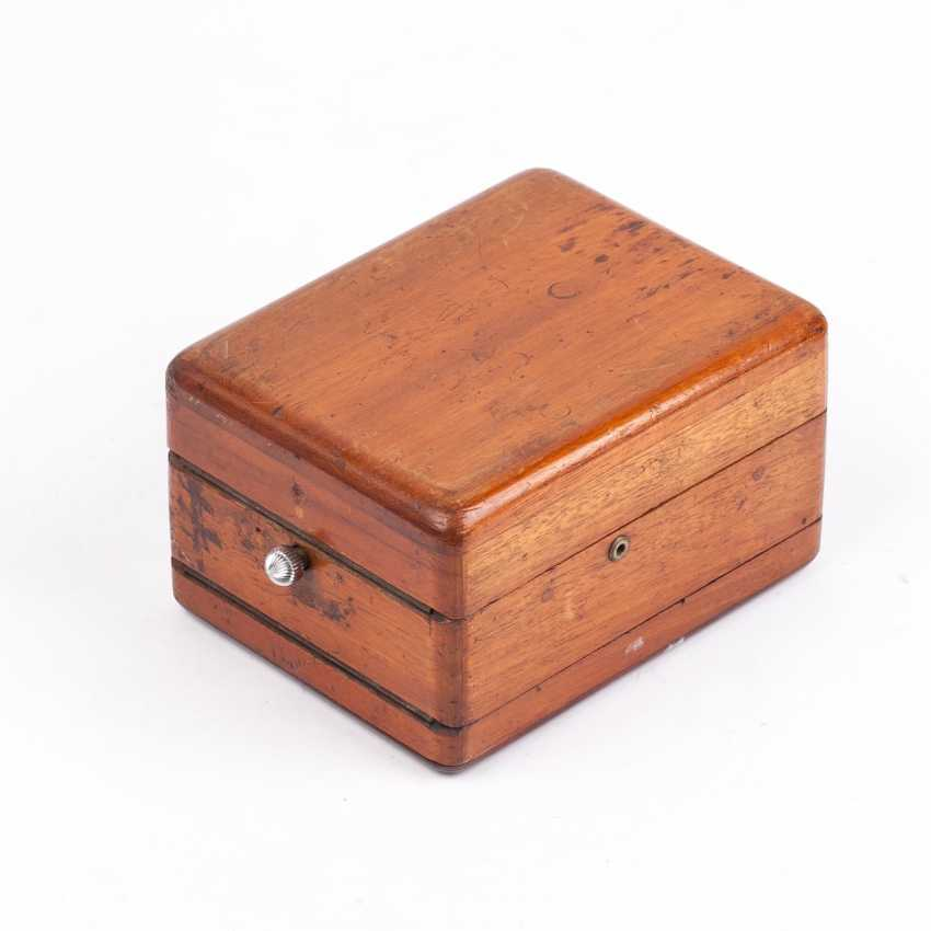 Zenith chronometer in a wooden box - photo 5