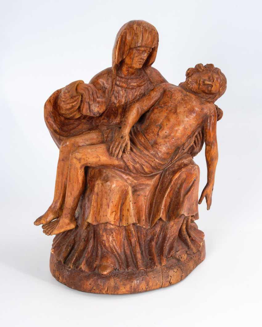 Renaissance Devotional Painting: Pieta. - photo 1