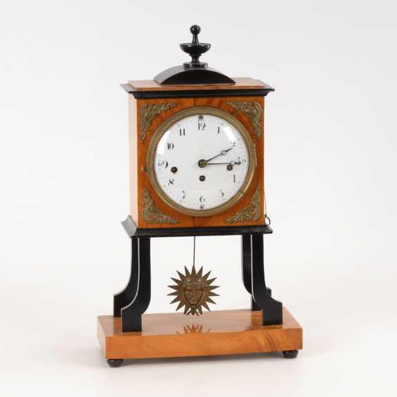Biedermeier clock with sun pendulum. - photo 1