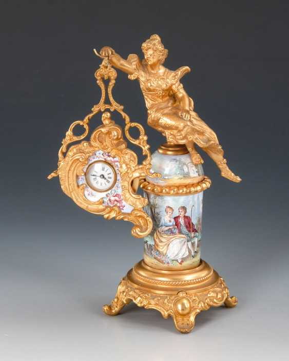 Vienna enamel watch, with a miniature figure. - photo 1