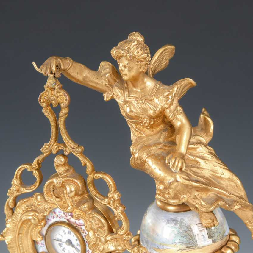 Vienna enamel watch, with a miniature figure. - photo 4