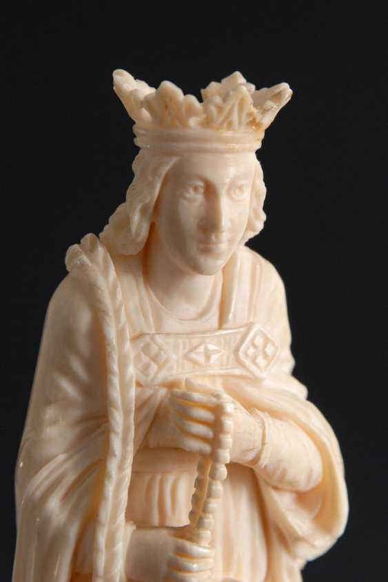 Ivory Statuette of Mary with the Rose - photo 2