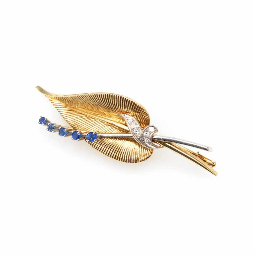 Elegant brooch with sapphires and diamonds - photo 1