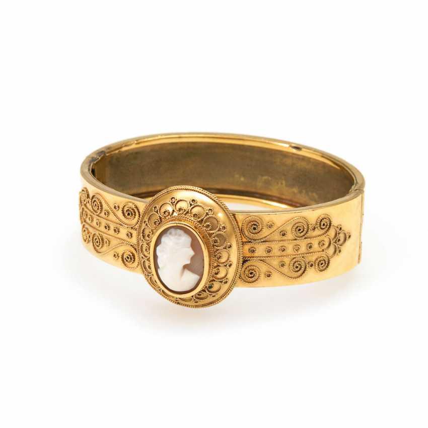 Bangle bracelet with cameo. - photo 1
