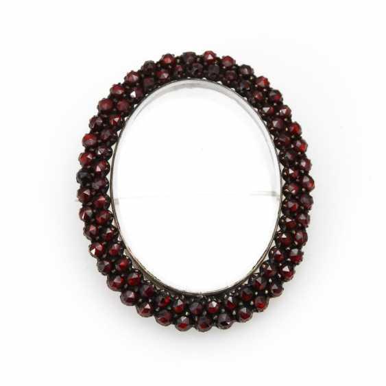 Locket pendant/brooch with garnets - photo 1