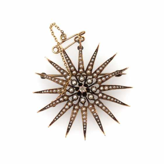 Star brooch with pearl and brilliant, - photo 1