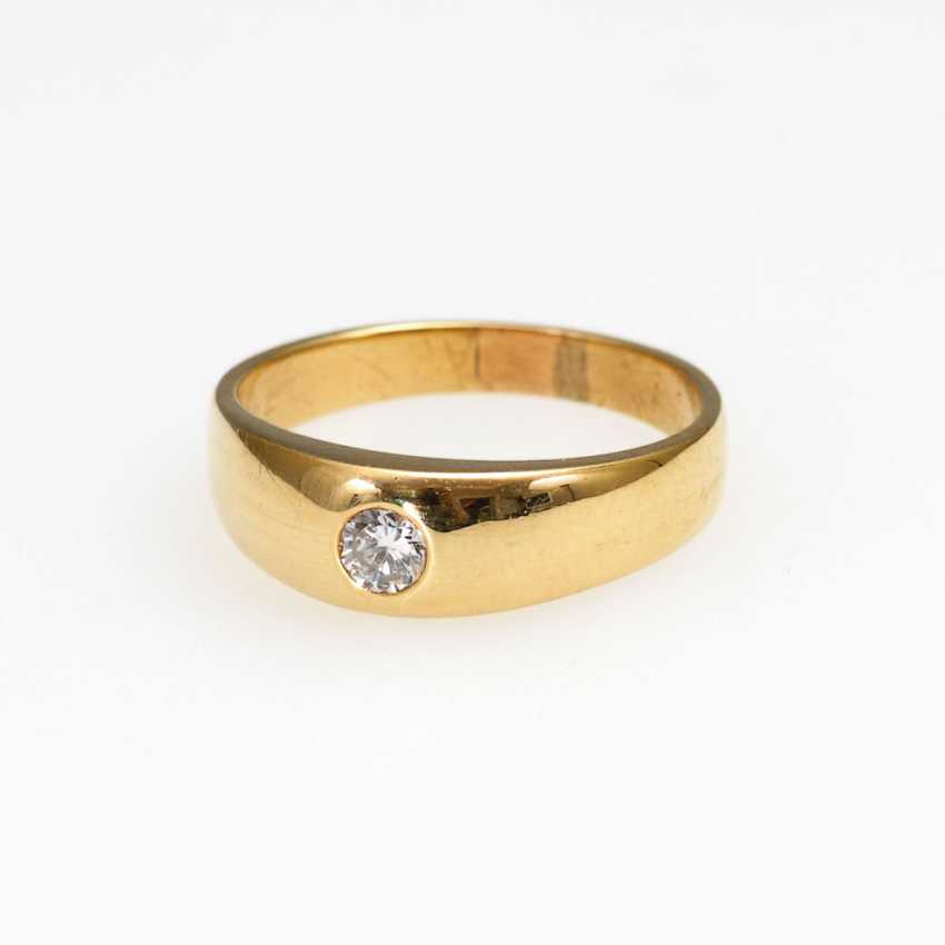 Band ring with brilliant solitaire. - photo 1