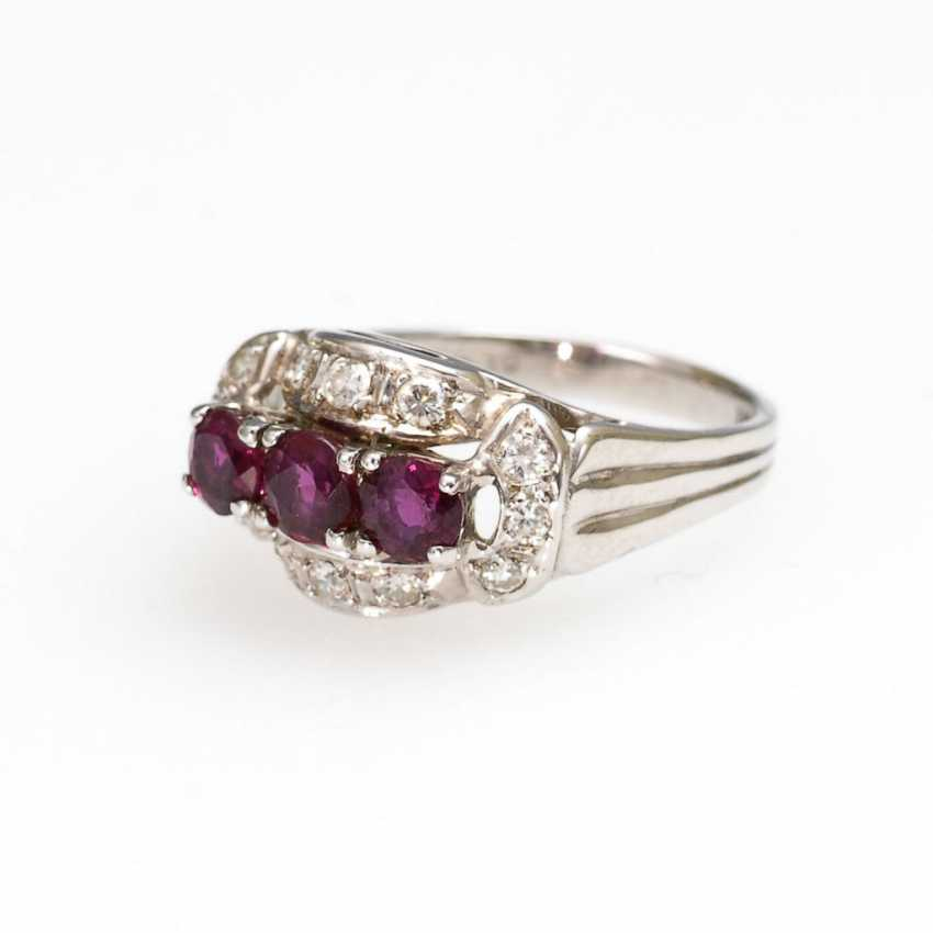 Ring with rubies and diamonds. - photo 1