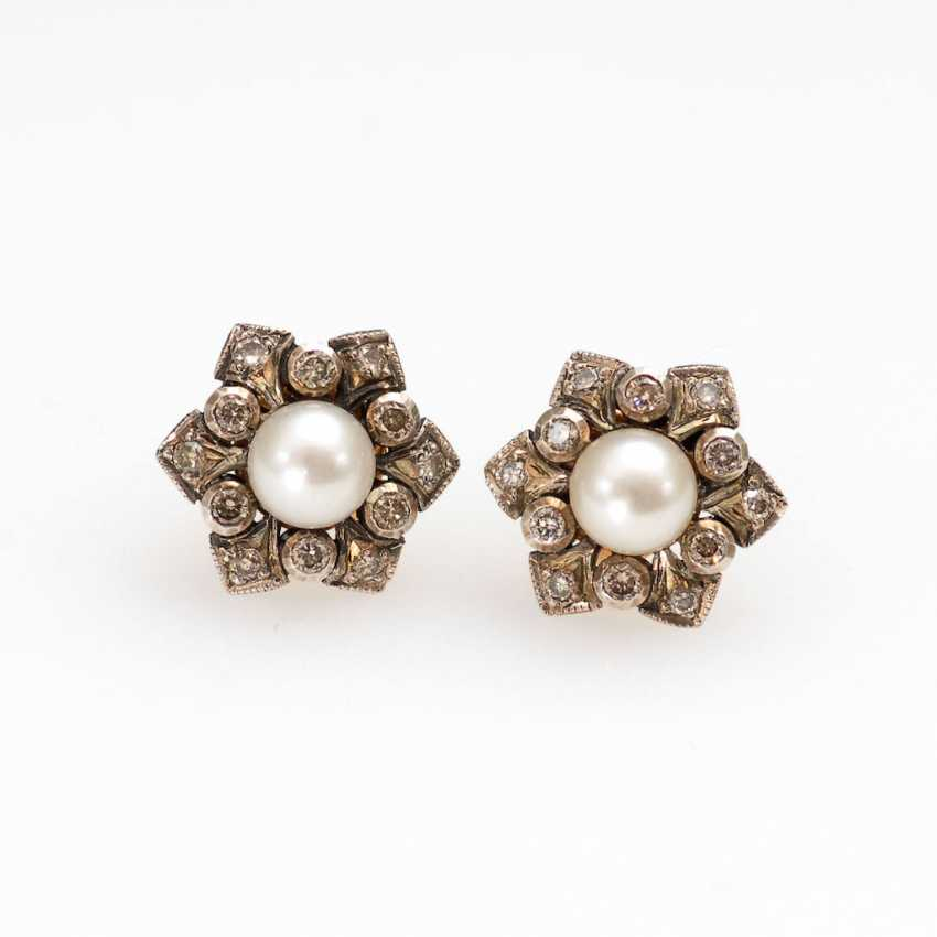 Stud earrings pair with pearl and Brill - photo 1