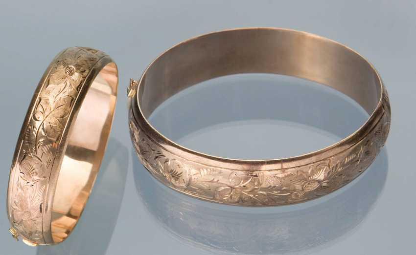Engraved Gold Bangle Bracelet. - photo 1
