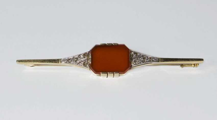 Carnelian and diamond bar brooch in a case. - photo 2