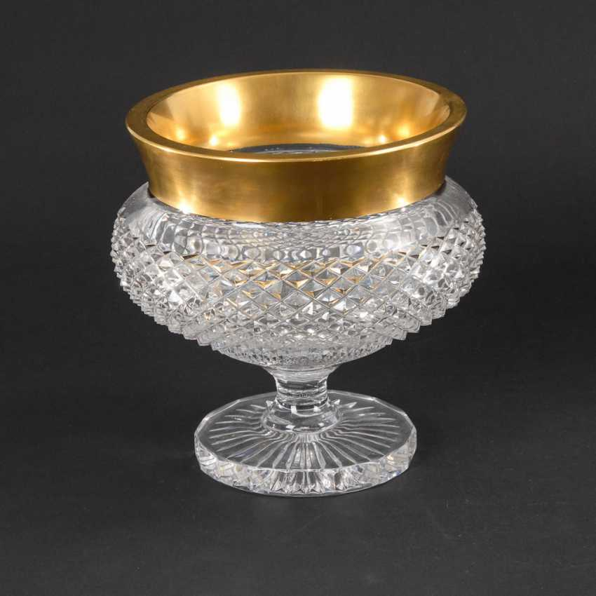 Bowl with gold rim. - photo 1