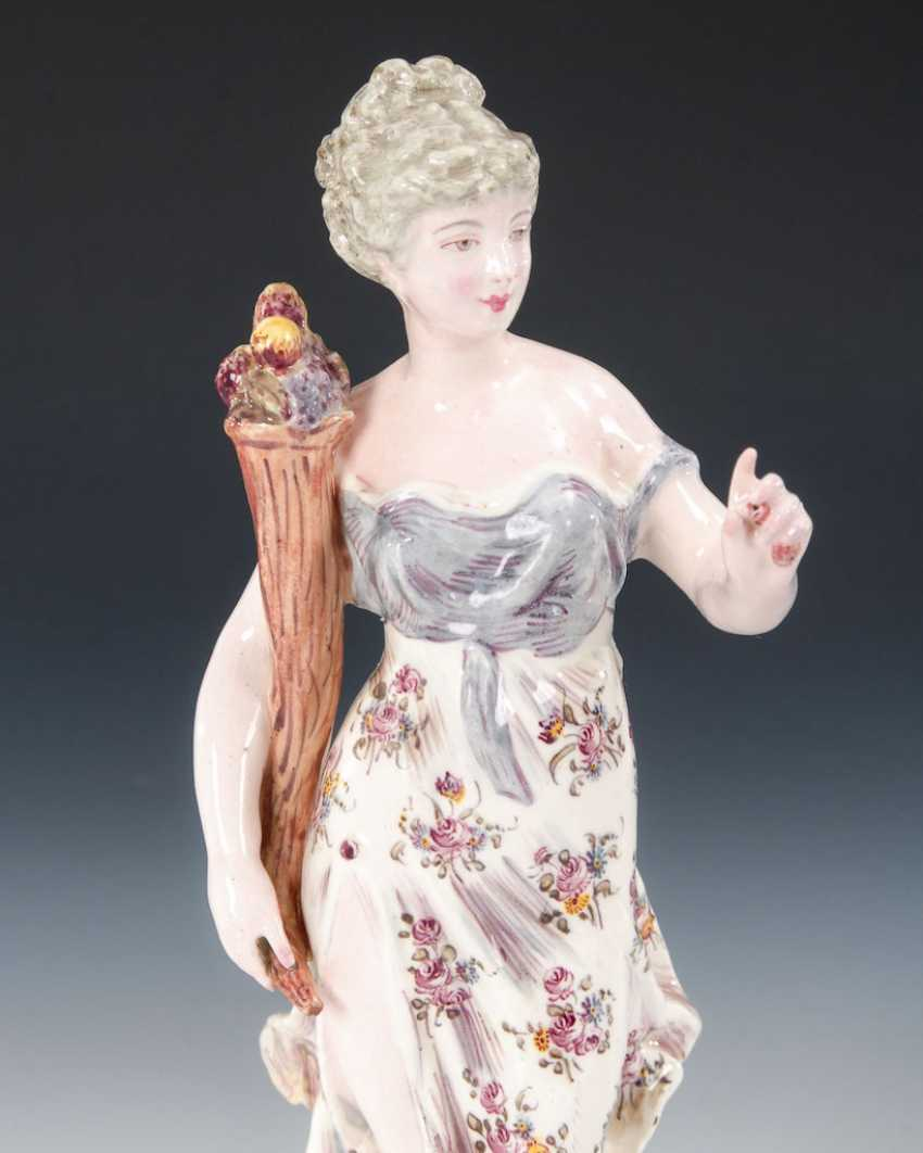 Juno with peacock / lady with a lion, NIDERVIL - photo 3