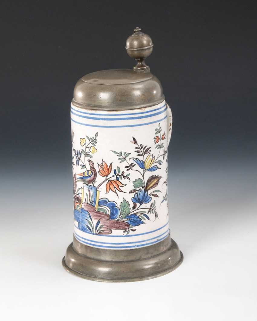 Faience-roll pitcher with bird and flowers - photo 1